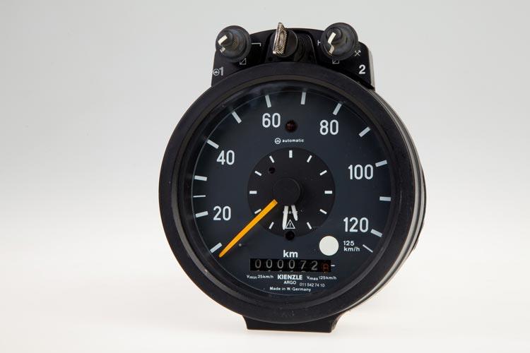 Analogue tachographs